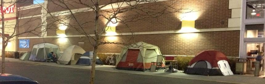 Black Friday shoppers set up camp. Photo courtesy News 7.